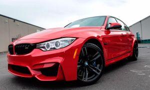 Седан BMW M3 в зажигательном цвете Ferrari Red из программы BMW Individual