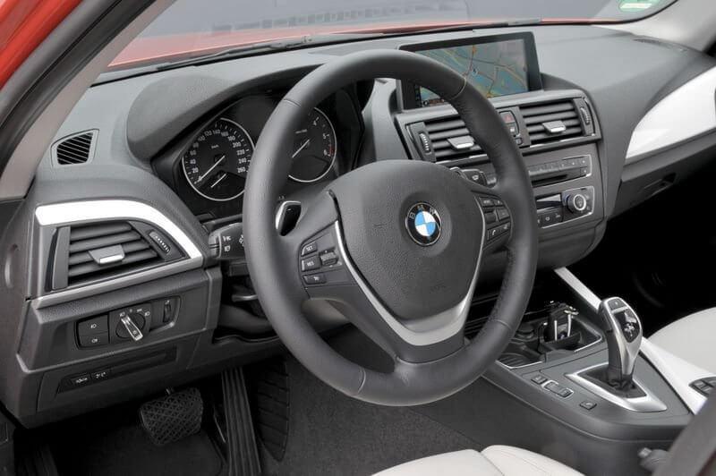 BMW 114i фото